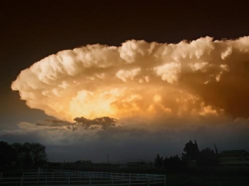 Paisaje con nubosidad en Chaparral, México