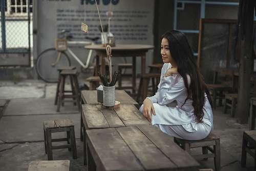 imágenes gratis Mujer sentada