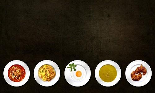 Variedad de comidas con fondo negro