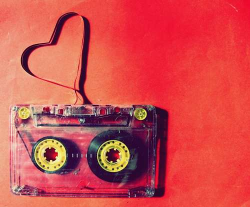 Cassete formando corazon