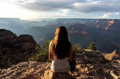 imágenes gratis Mujer en la montaña