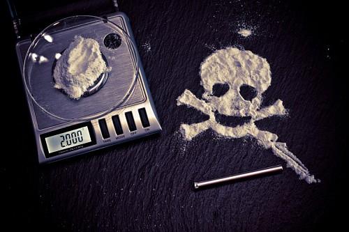 Calavera formada por cocaína