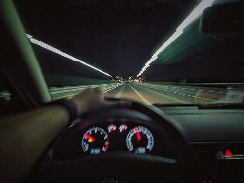 Conduciendo por la carretera