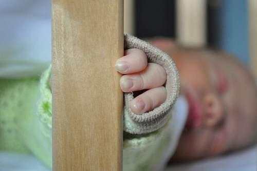 imágenes gratis una persona, gente, bebe, niño, dormir, durmiendo,