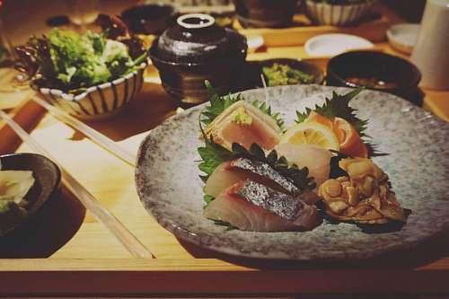 Plato de Sushi en un restaurant