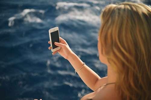 imágenes gratis Mujer con celular
