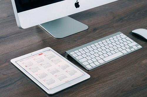 Oficina de trabajo con Imac y Ipad