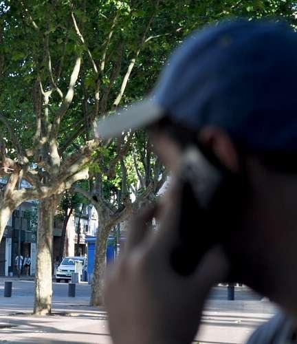 imágenes gratis Hombre hablando por celular
