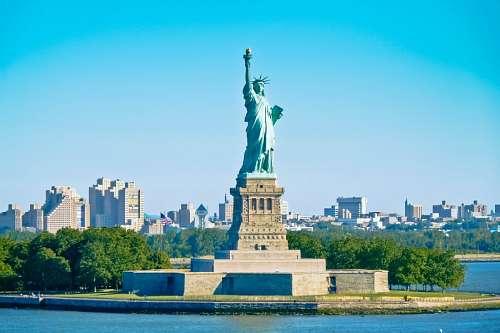 Vista de Ciudad de Nueva York y Estatua de la Libertad