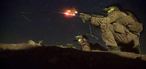imágenes gratis Soldados disparando