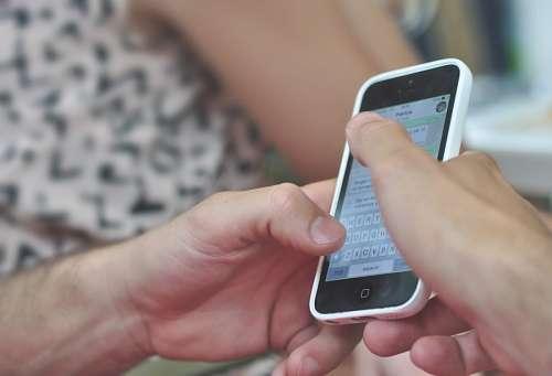 imágenes gratis Hombre con Iphone