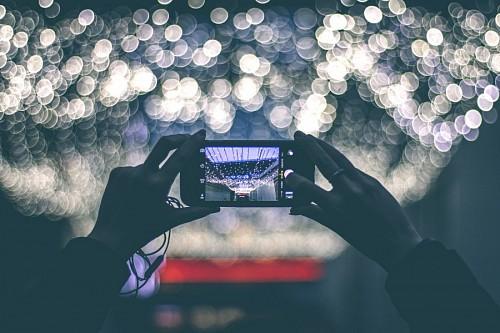 imágenes gratis Fotografiando con smartphone efecto Bokeh