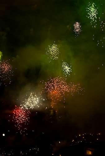 imágenes gratis Fuegos Artificiales en el cielo por Feliz año nuevo