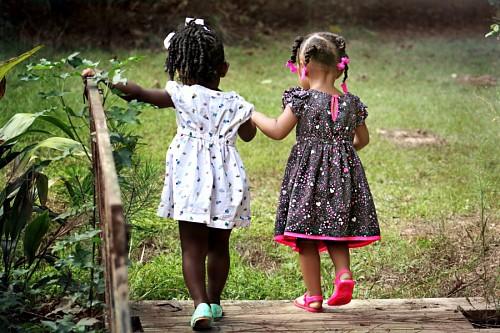 Amigas en la infancia