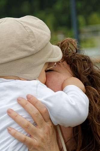 imágenes gratis Beso maternal