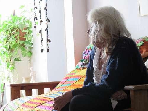 Mujer Mirando tv