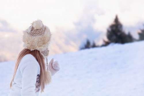 Niña en invierno