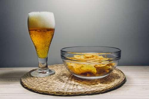 Cerveza y papas fritas