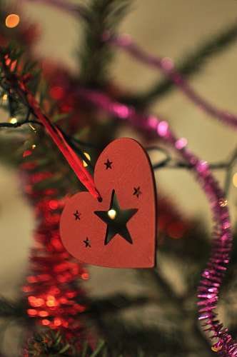 imágenes gratis Adorno navideño con estrellas y corazon