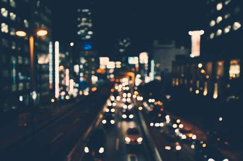 Ciudad de noche con efecto bokeh