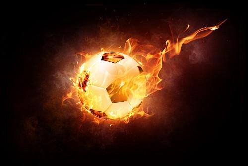 Balon de futbol en llamas