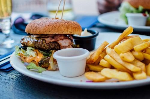 imágenes gratis Hamburguesa con papas fritas