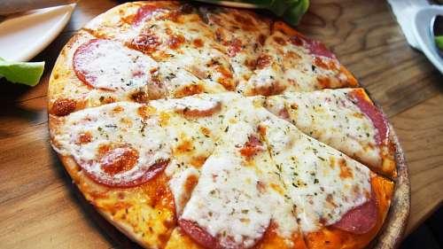 Pizza de salame