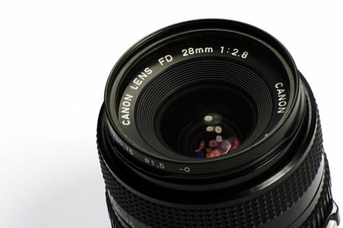 Lente camara reflex de 28mm
