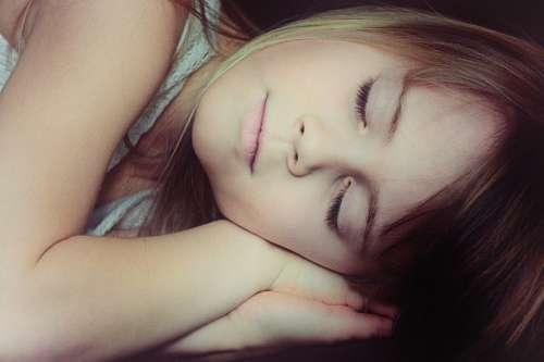imágenes gratis Niña durmiendo