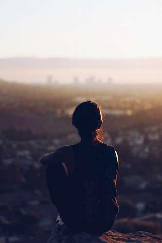 imágenes gratis Mujer Mirando el Horizonte