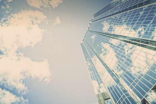 edificio espejado