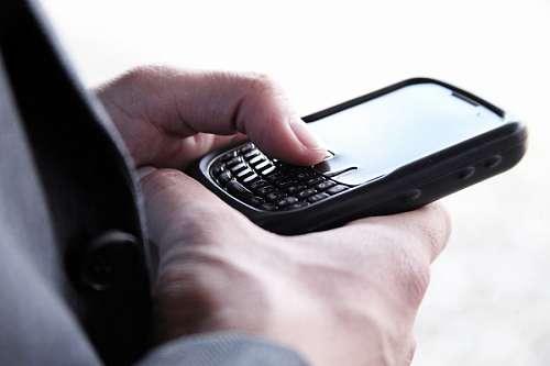 mano, telefono, celular, mensaje, texto, escribir,