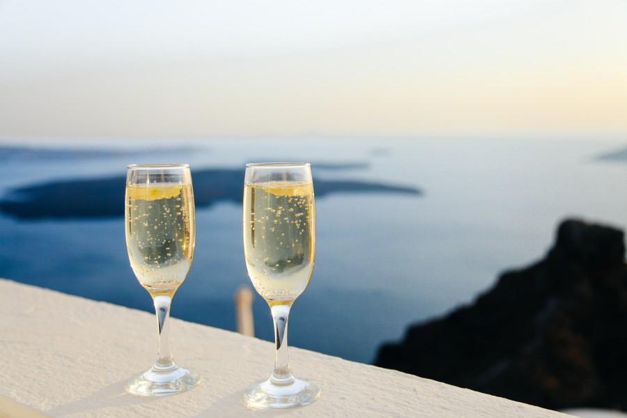 champagne, copas, copa, dos, burbujas, bebida, alcoholica, cristal, viaje, vacaciones, paisaje, mar, costa, brindis, amor,