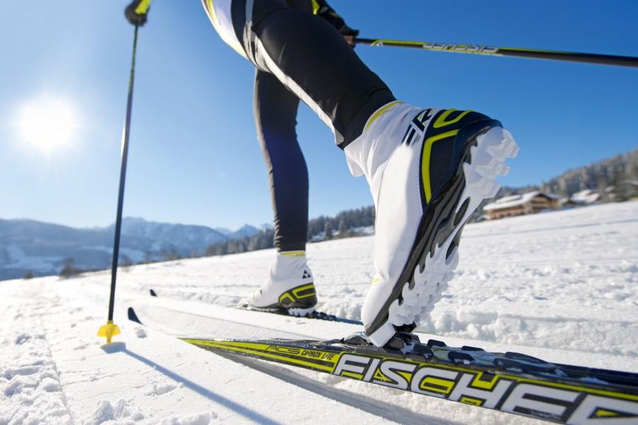 esqui, deporte, invierno, zapatos, dia, nieve, esquiar, cielo azul, vacaciones, una persona, gente,