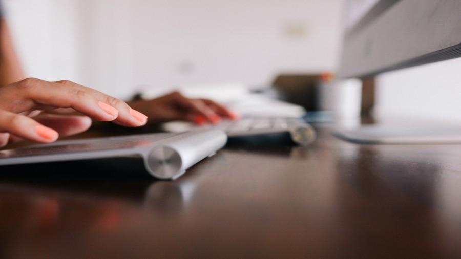manos, mujer, teclado, trabajo, negocios, tecnologia, primer plano, ordenador,  inversión, trading, forex