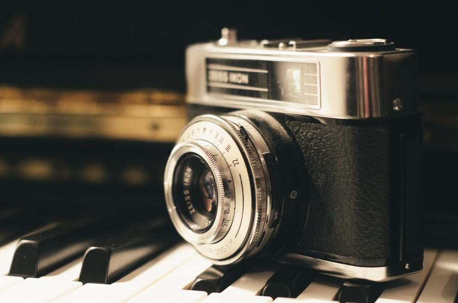 camara, analogico, analogica, vintage, digital, primer plano, fotografia, piano, musica, tecla, teclas, lente,