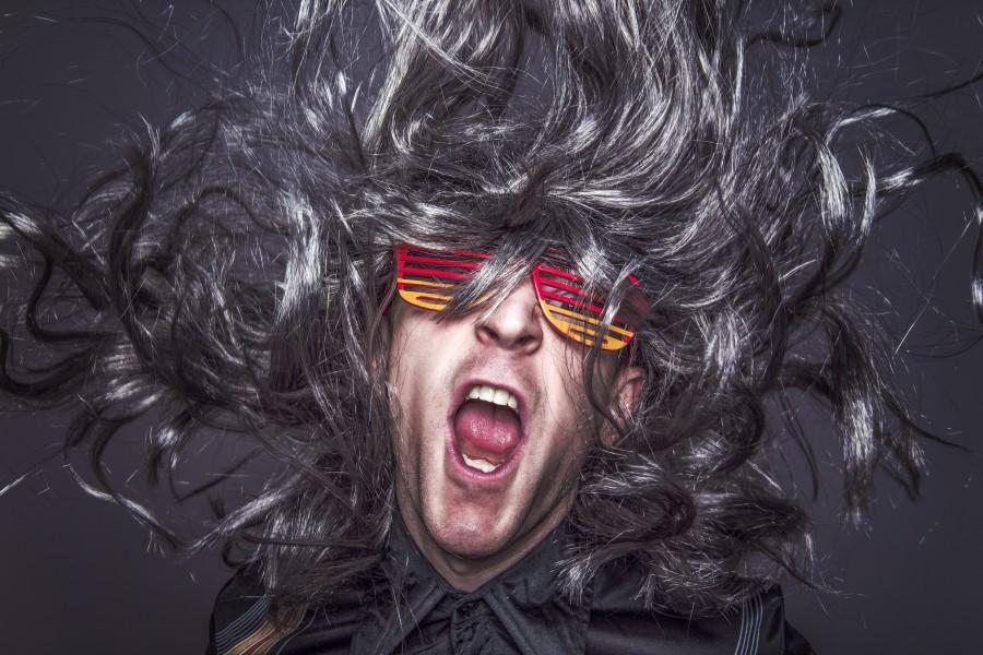 hombre, peluca, rock, rock start, estrella de rock, musica, pelos, gracioso, moda, adulto, musica, boca abierta, grito, gritar,