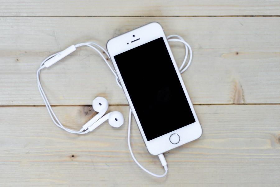 Música, Stokpic, Blanco, manzana, negocio, ordenador, computacion, conectividad, conectar, escritorio, auriculares, auriculares, iTunes, iPhone, iPhone 5, mac, móvil, oficina, telefono, pantalla, smartphone, tecnologia, tecnología, pantalla tactil, mac,