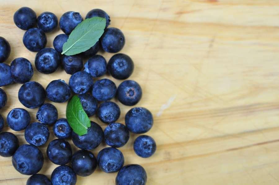 arándano, madera, saludable, fresco, fruta, orgánico, enfoque selectivo, alimentos, comidas, menta