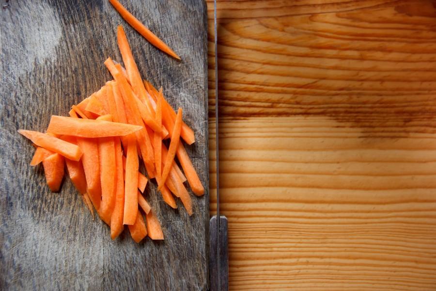 tabla, cuchillo, comida, cocinar, vegetal, zanahoria, cortado, tiras,