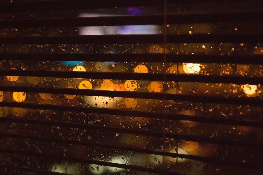 ventana, lluvia, noche, nadie, ciudad, luces, cortina, cuarto, habitacion,