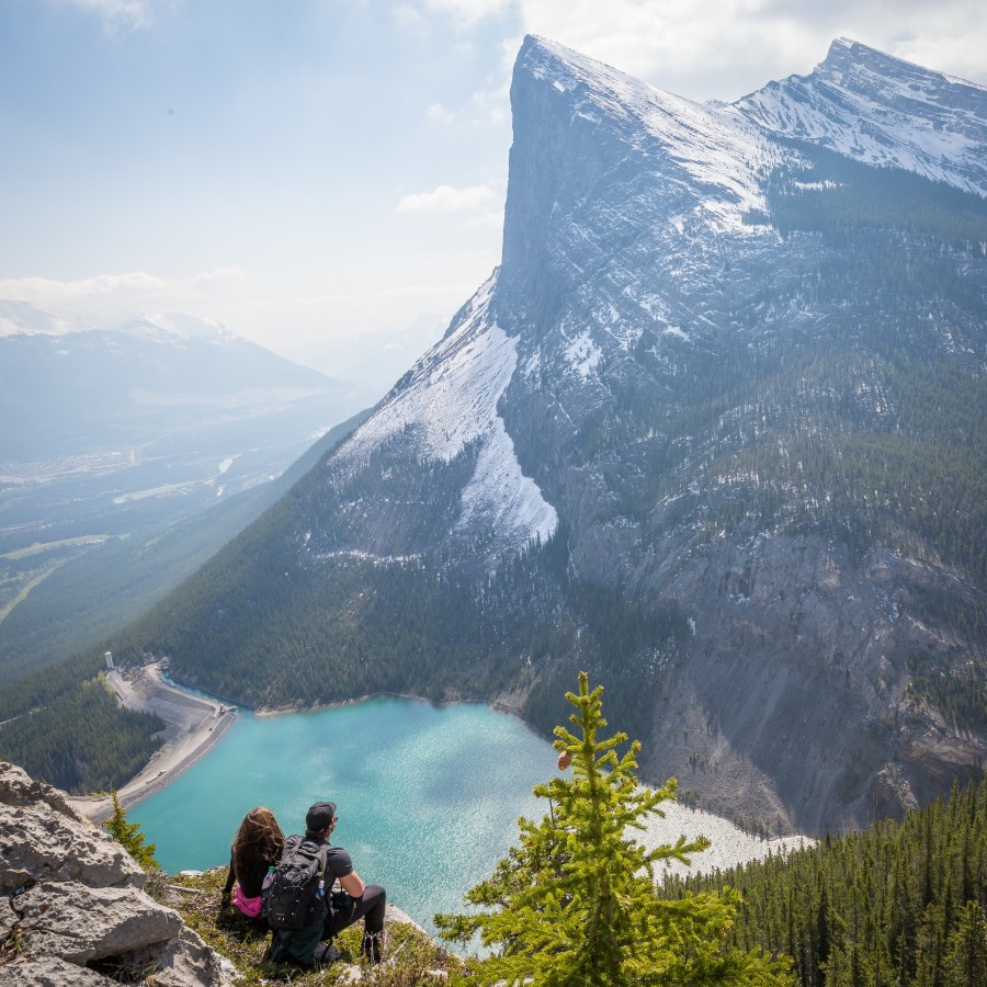 pareja, montaña, laguna, vacaciones, escalador, pico, naturaleza, dos, explorador, vacaciones, aventura, sentado, hiking, horizonte,