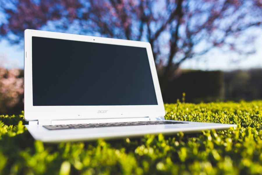ordenador portátil, oficina, trabajo, hierba, soleado, después del trabajo, vacaciones, equipo, blanco, tecnología, pantalla, naturaleza, notebook, cesped