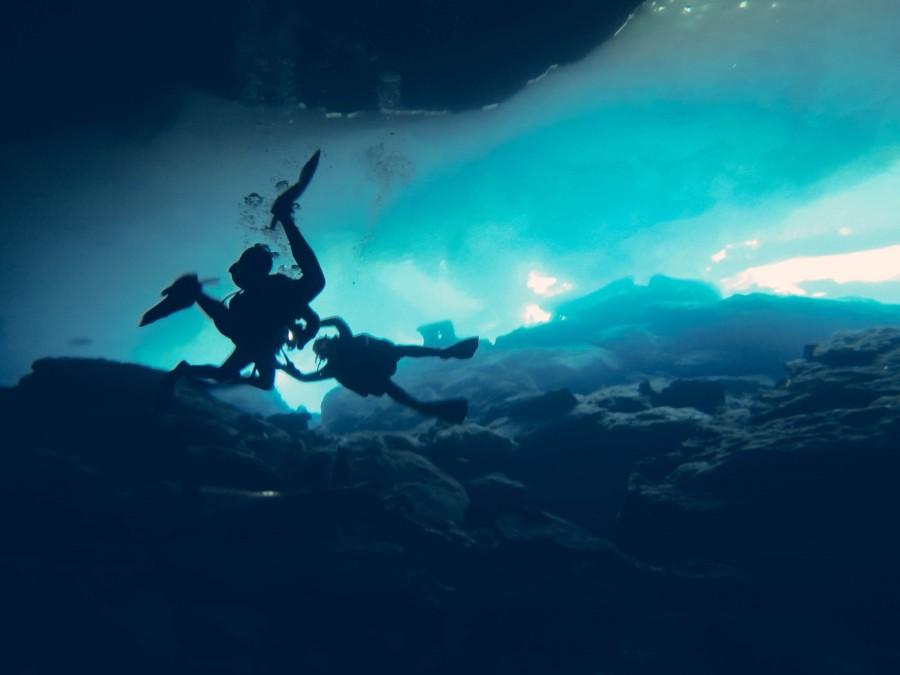 Cueva, buceo en cuevas, cenotes, Ed Gregory, Explorar, Mexico, SCUBA, ,azul, burbujas, submarinismo, subacuatico, buceo, buzo, bucear, deporte, marino, caberna, cueva, submarina, america,
