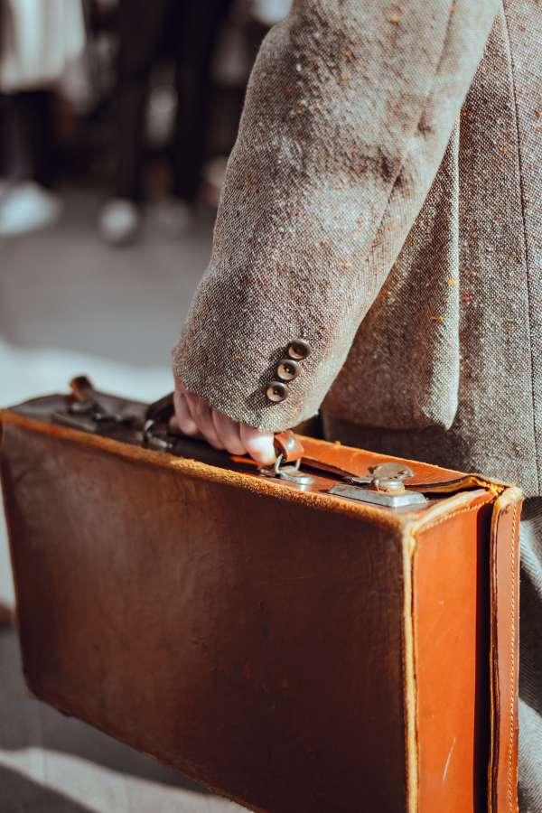 hombre, saco, maletin, maleta, cuero, invierno, viaje, viajar,