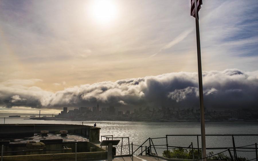 ciudad dia, exterior, nadie, nube, nubes, tormenta, vista de frente, mal tiempo, clima,
