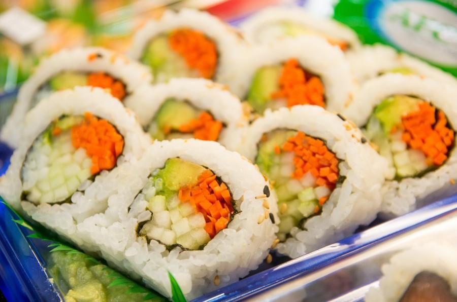 comida, sushi, plato, gourmet, zanahoria, vegetariano, vegano, alimento, japones, japon, oriental, nori, popular, almuerzo, cena, arroz, sashimi, americano, asia, maki, variedad, pepino,