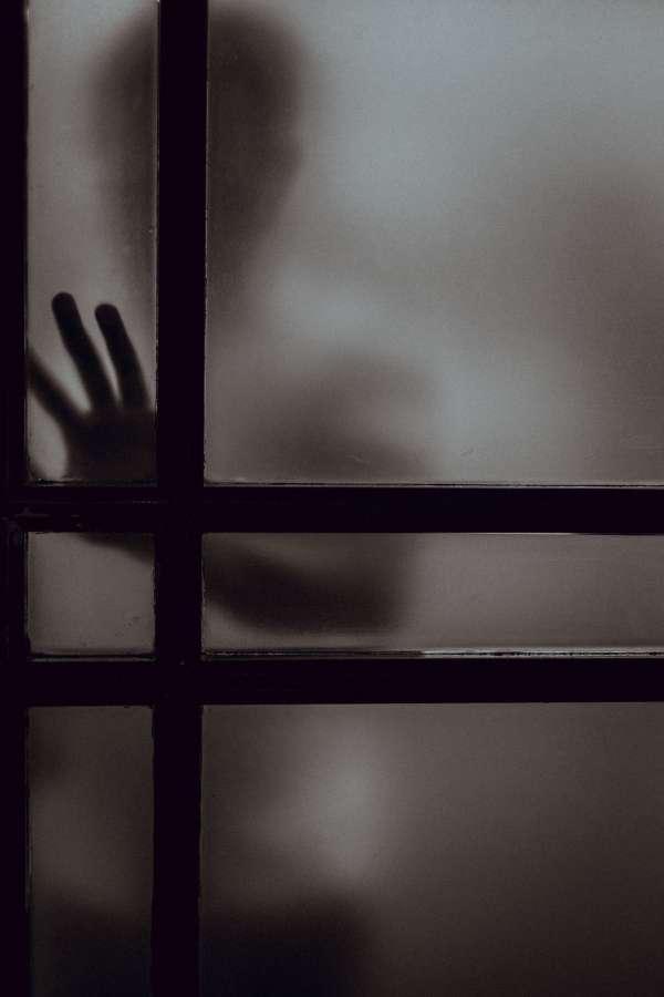 hombre, mano, puerta, cerrado, interior, encerrado, depresion, tristeza, miedo, peligro, difuso, adulto, cerrar,