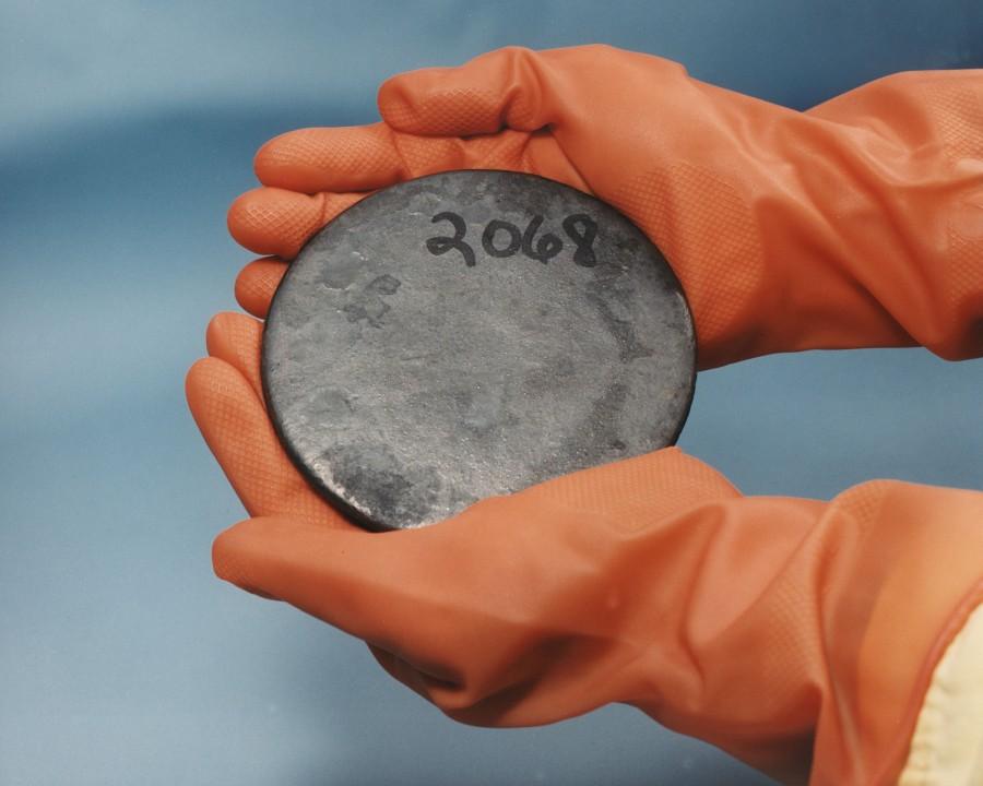 uranio, energia, nuclear, mineral, metal, ciencia, cientifico, guantes, latex, radioactivo, radioactividad,