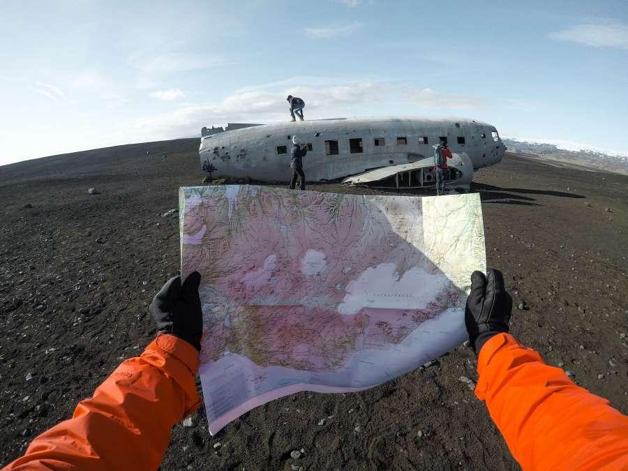 mapa, avion, perdido, abandonado, viejo, fuselaje, islandia, aventura, descubrimiento, perdida, perder, accidente, llegar, concepto, turismo,
